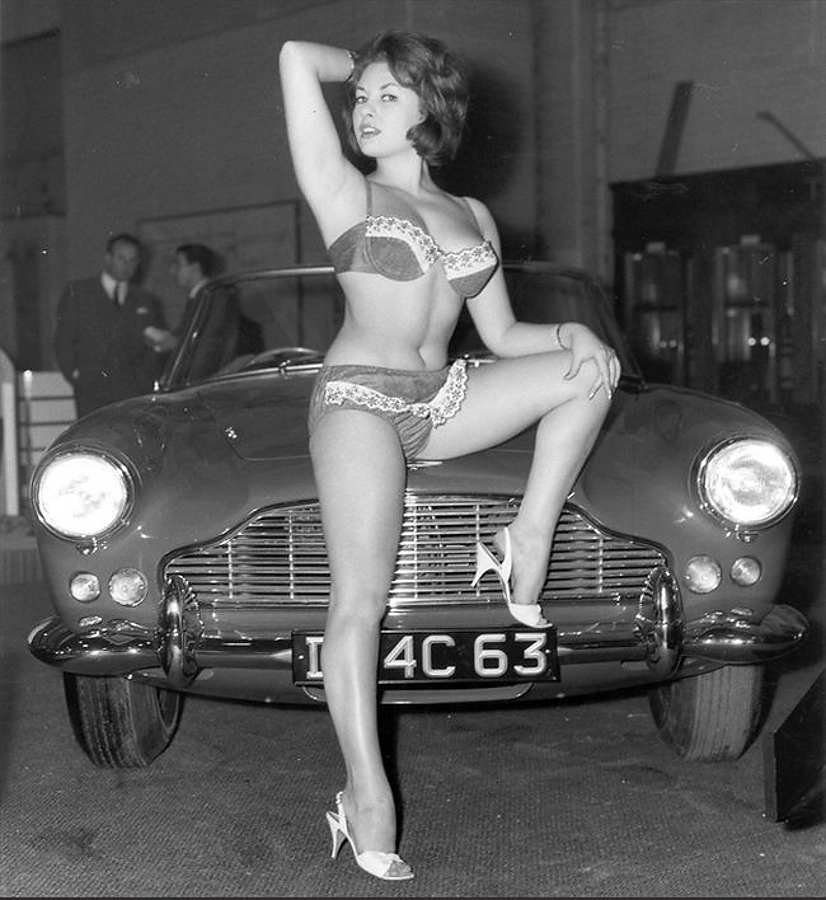 Vintage Bikini Girl – June Palmer