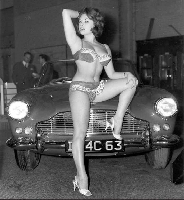 Vintage bikini girl - June Palmer