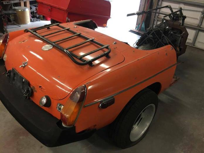 Honda Trike with an MGB body and Vortec Chevy V6 comes with a luggage rack