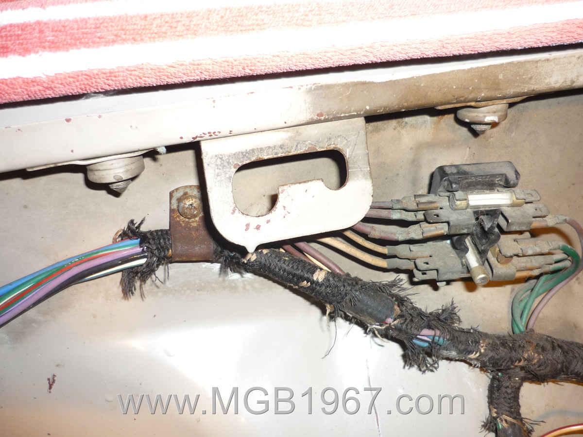 MGB GT wiring harness?resize\=640%2C480 lucas wiring harness smoke gandul 45 77 79 119 h28010 extra wiring harness at webbmarketing.co