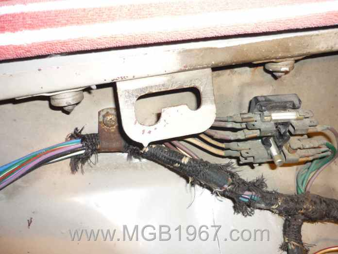 Re-wrapping an MGB wiring harness | 1967 MGB GT
