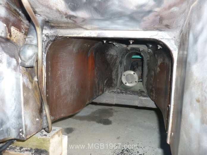 1967 MGB GT transmission tunnel