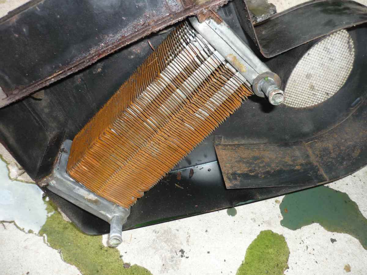 Removing the MGB GT heater box PART 2