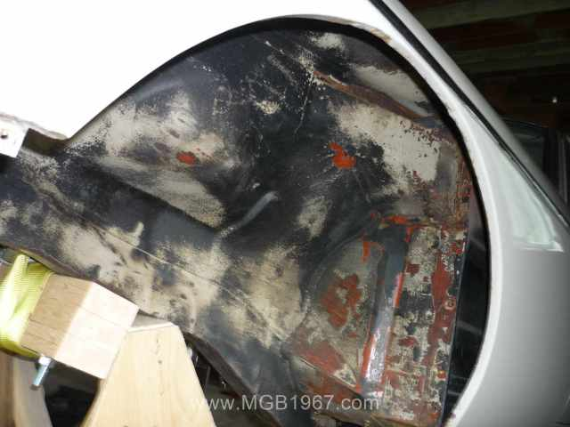 Cleaning inside the MGB GT inner fenders