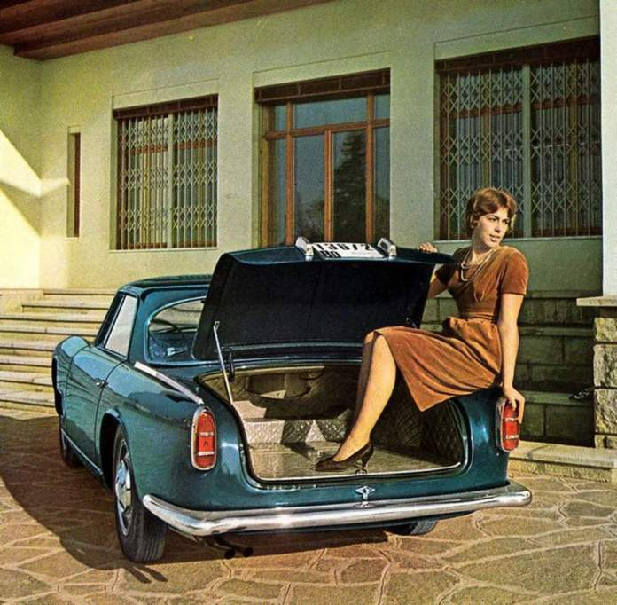Maserati 3500 GT women in trunk