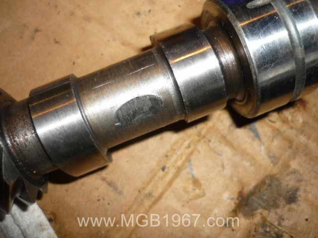 Camshaft wear from connecting rod failure