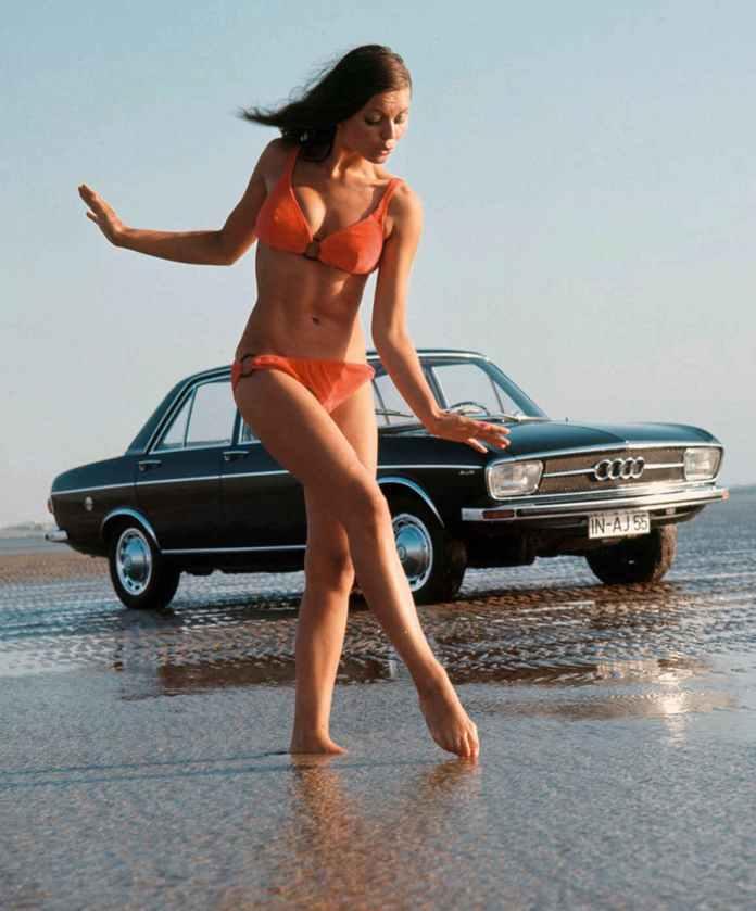 Audi 100 bikini beach babe