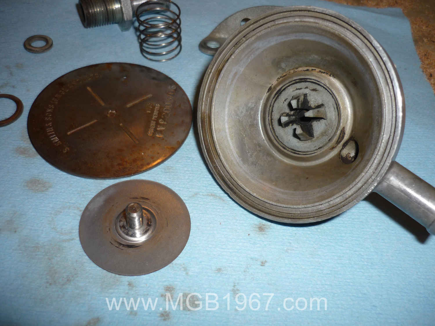 Cleaned MGB crankcase ventilation valve