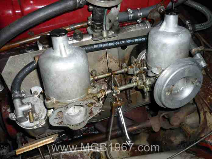 MGB GT carburetors and intake manifold before restoration