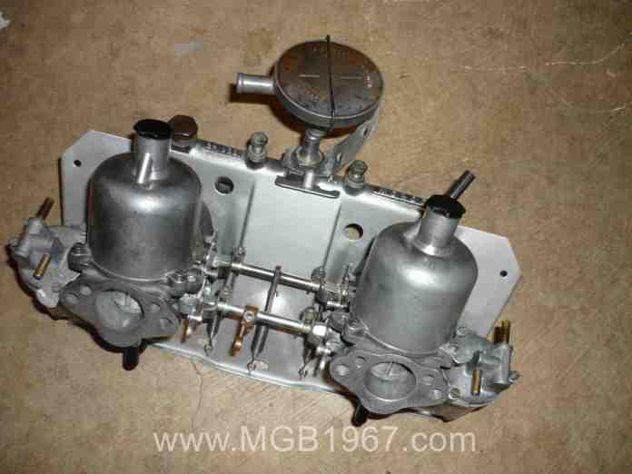 MGB GT carburetors and intake manifold