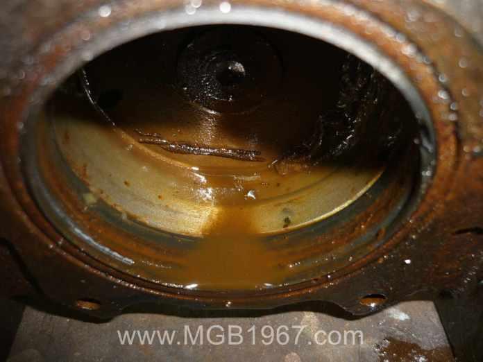 Grunge inside the MGB front brake caliper