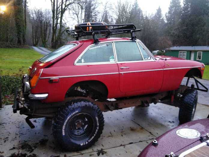 Red-neck 1972 MGB GT