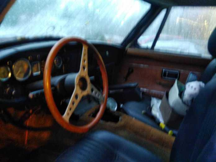 Redneck 1972 MGB GT interior