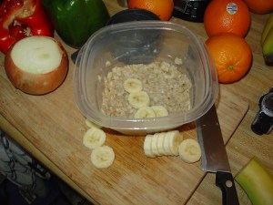1/2 cup dry oats, 1/2 medium banana