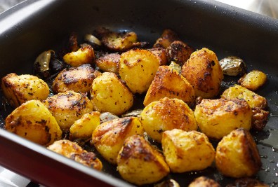 roast-potatoes-in-pan