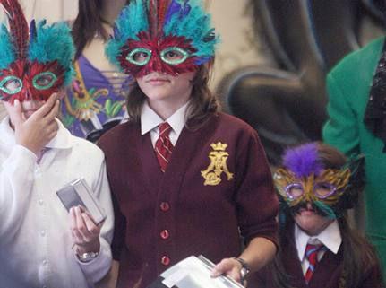 Résultats de recherche d'images pour «enfant michael jackson masque»