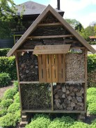 Kalmthout bee hotel, Antwerp, Belgium Photo © 2019 Nancy Smith Brooks