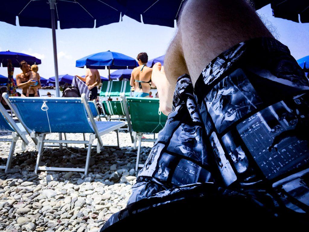 Il tipico costume del Nerd in Spiaggia