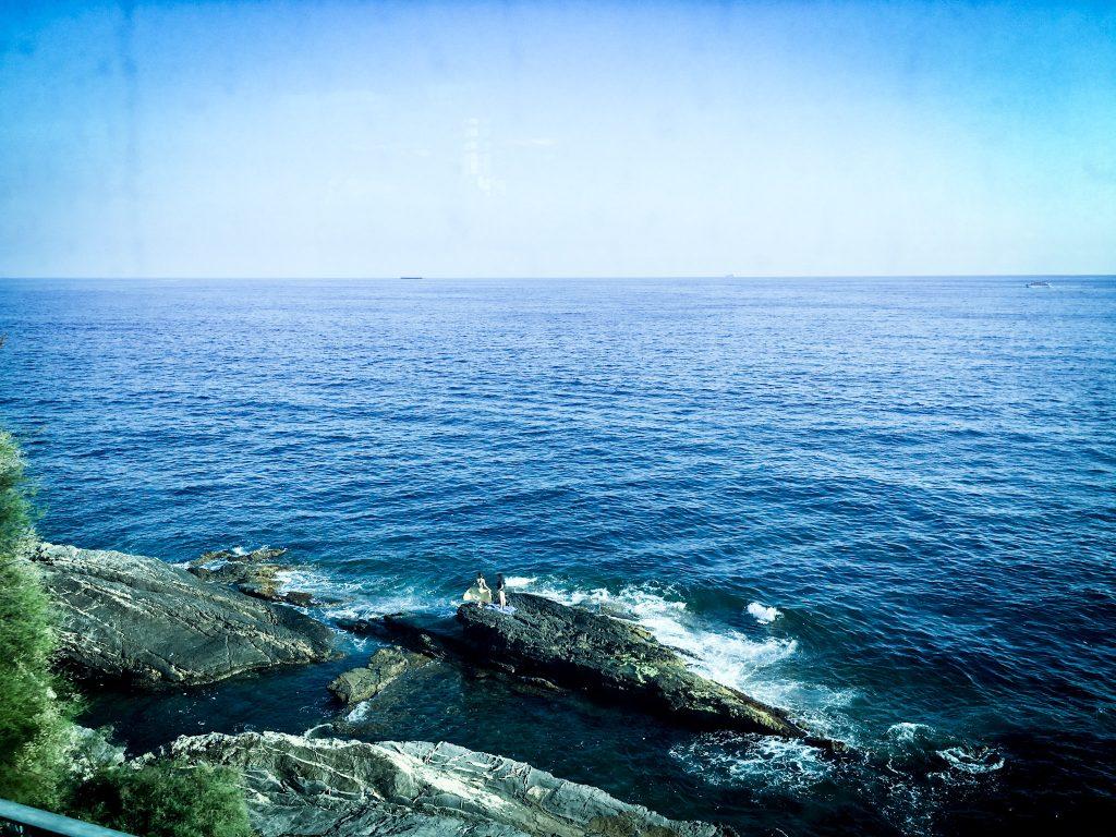 Il mare di Nervi dal treno