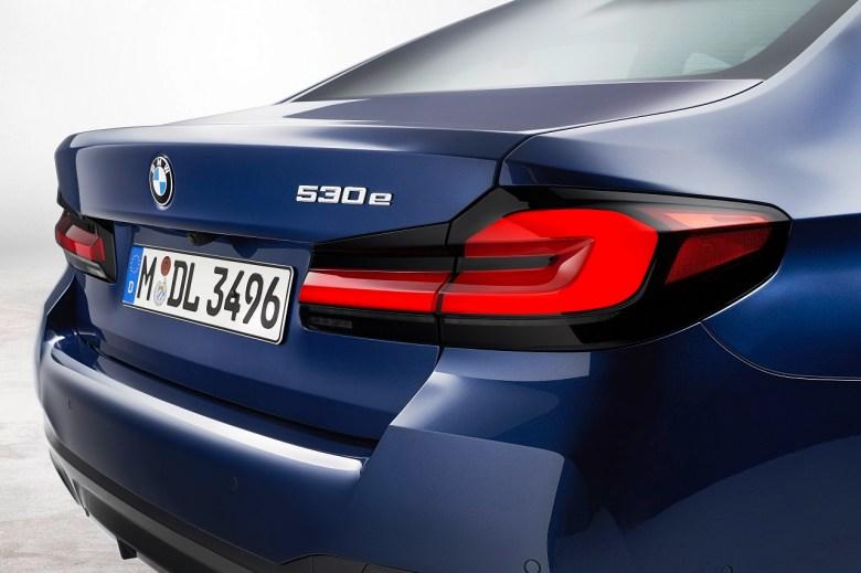 2021 BMW 5-series 530e