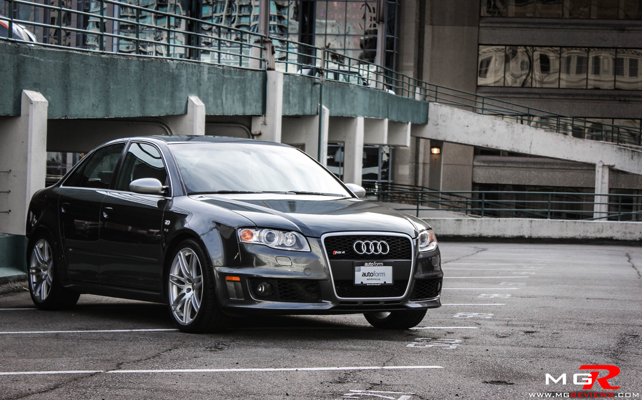 hight resolution of audi rs4 12
