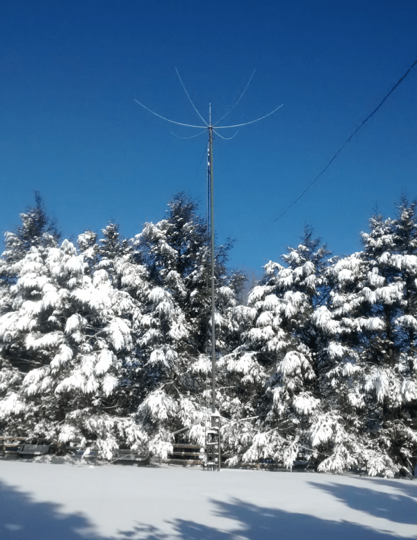 Hexbeam survives snowfall and ice