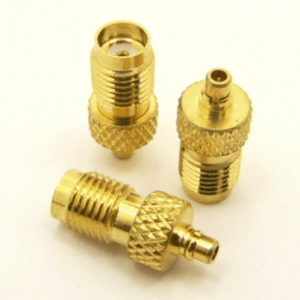 SMA-female / MMCX-male Adapter (P/N: 8202)