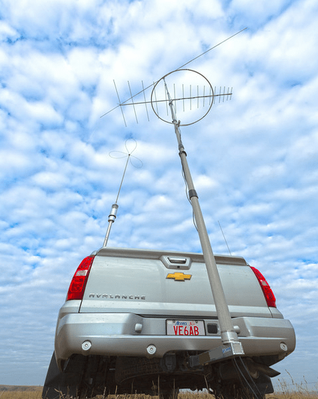 Heavy Duty mast on a hitch mount used to support an antenna array