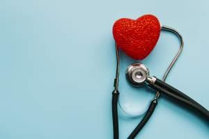 estetoscopio y un corazon