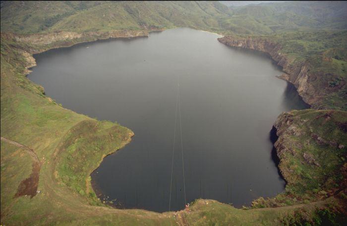 Lake Nyos plan for degassing lakes Nyos and Monoun Cameroon Gas disaster at Nyos mitigation
