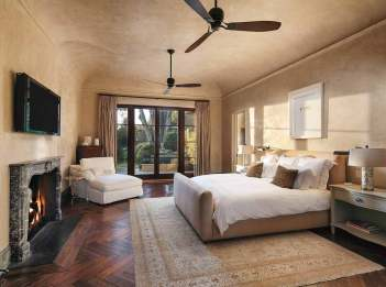 Lessa-Wilson-Goldmuntz-tuscan-style-bedroom