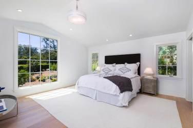 Leesa-Wilson-Goldmuntz-Romero-Canyon-Bedroom-2