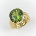 18ct gold with peridot (£1960 sold)