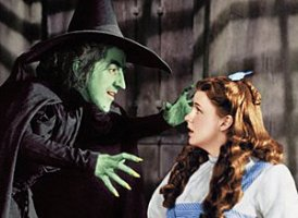 Margaret Hamilton (The one in green) with Judy Garland