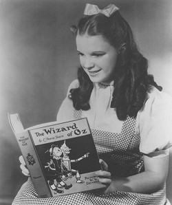 Judy Garland reading The Wonderful Wizard of Oz