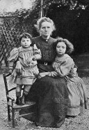 Ève, Marie and Irene Curie in 1908