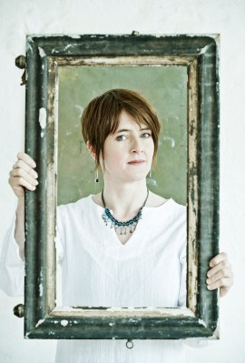 Photo of Karine Polwart.
