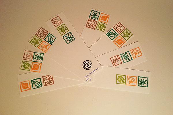 Recyclage des chutes de papier en marque-pages tamponnés, motifs Arboriculture