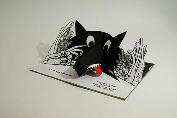 Projet de livre pop-up, page 2, vue de profil avec le loup dans le potager