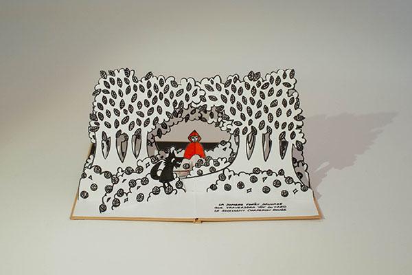 Projet livre pop-up, loup et Chaperon rouge dans la forêt
