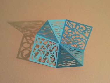 Pop-up carré d'anniversaire, nouveaux motifs, ondes bleues. Carré découpé seul