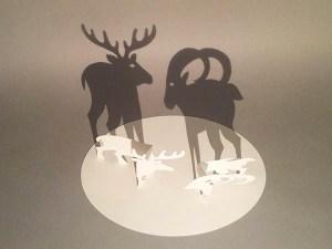 Décorations de Noël, cerf, bouquetin, papier blanc, vue de dessus