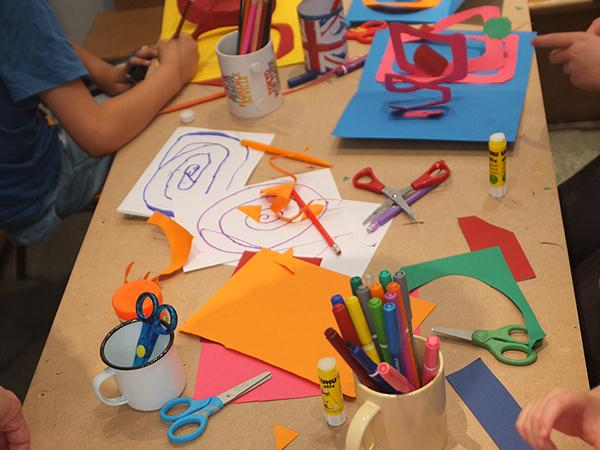 Animation pop-up autour de la spirale organisée à la librairie Le comptoir des mots en juin 2017, pendant l'atelier l'atelier
