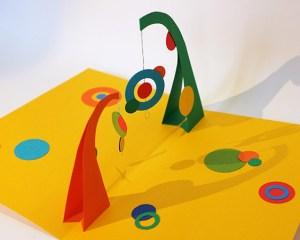Atelier pop-up autour de l'univers de Calder avec 2 mobiles face à face