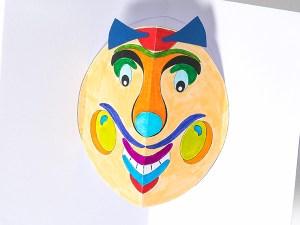 Carte pop-up Masque du Vietnam Grosses joues, DIY à colorier soi-même, détail intérieur carte coloriée