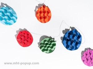 Guirlande, modèle Boules psychédéliques multicolores, dépliée