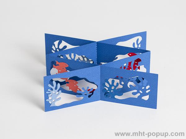 Livre d'artiste double accordéons croisés Océan, vue de dessus du livre déplié dans la largeur