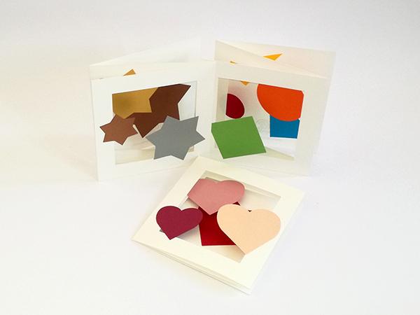 Cartes pop-up triptyque accordéon, motifs étoiles, géométrique et cœurs, vue d'ensemble