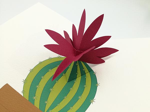 Carte pop-up Fleur de cactus, modèle orchidée rose, détail de la fleur