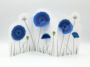 Frise décorative en 3 panneaux avec fleurs de pavot, vue de face